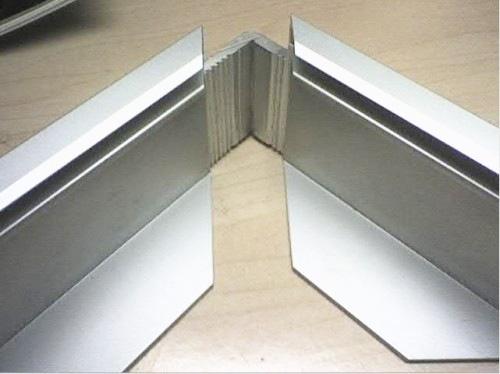 鸿发为您阐述工业铝型材框架有哪些特性?