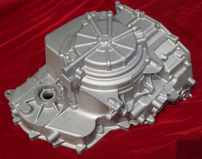 压铸变速箱铝外壳