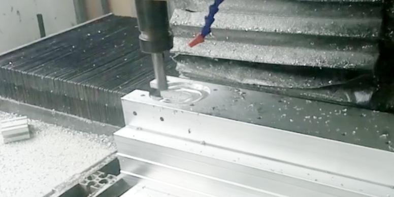 铝型材深加工cnc逆铣还是顺铣好?