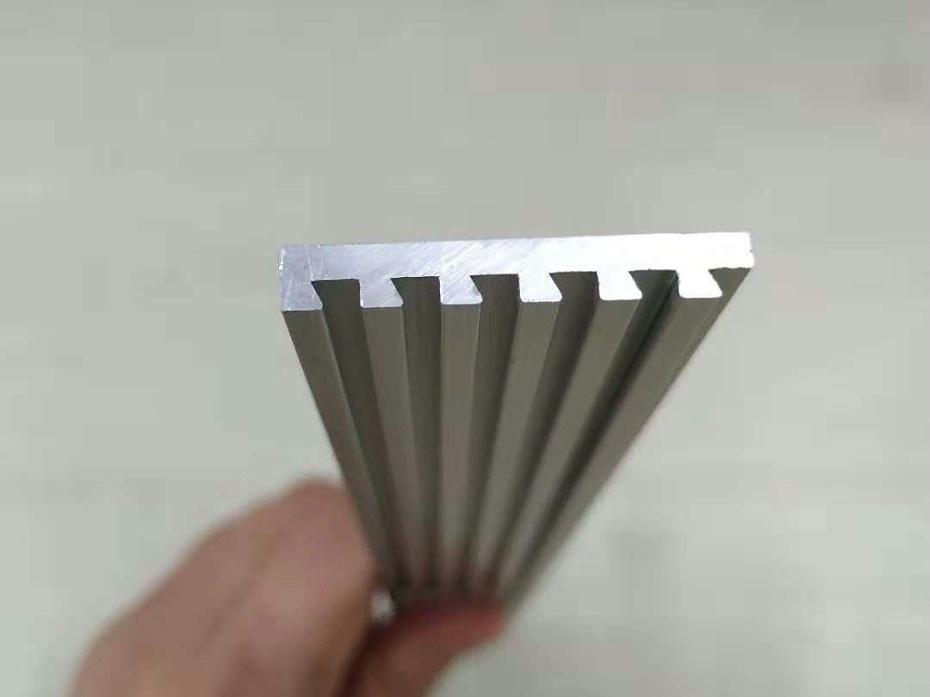 标识牌铝型材