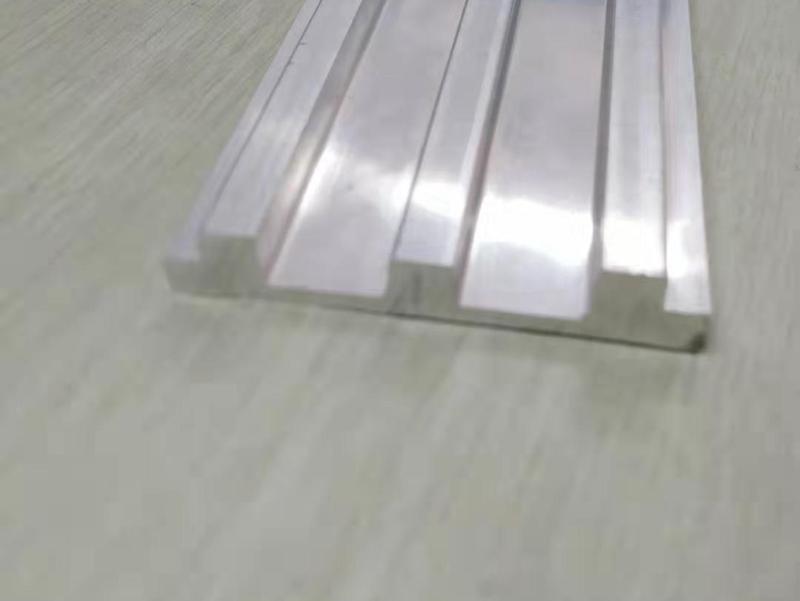 盖板铝型材