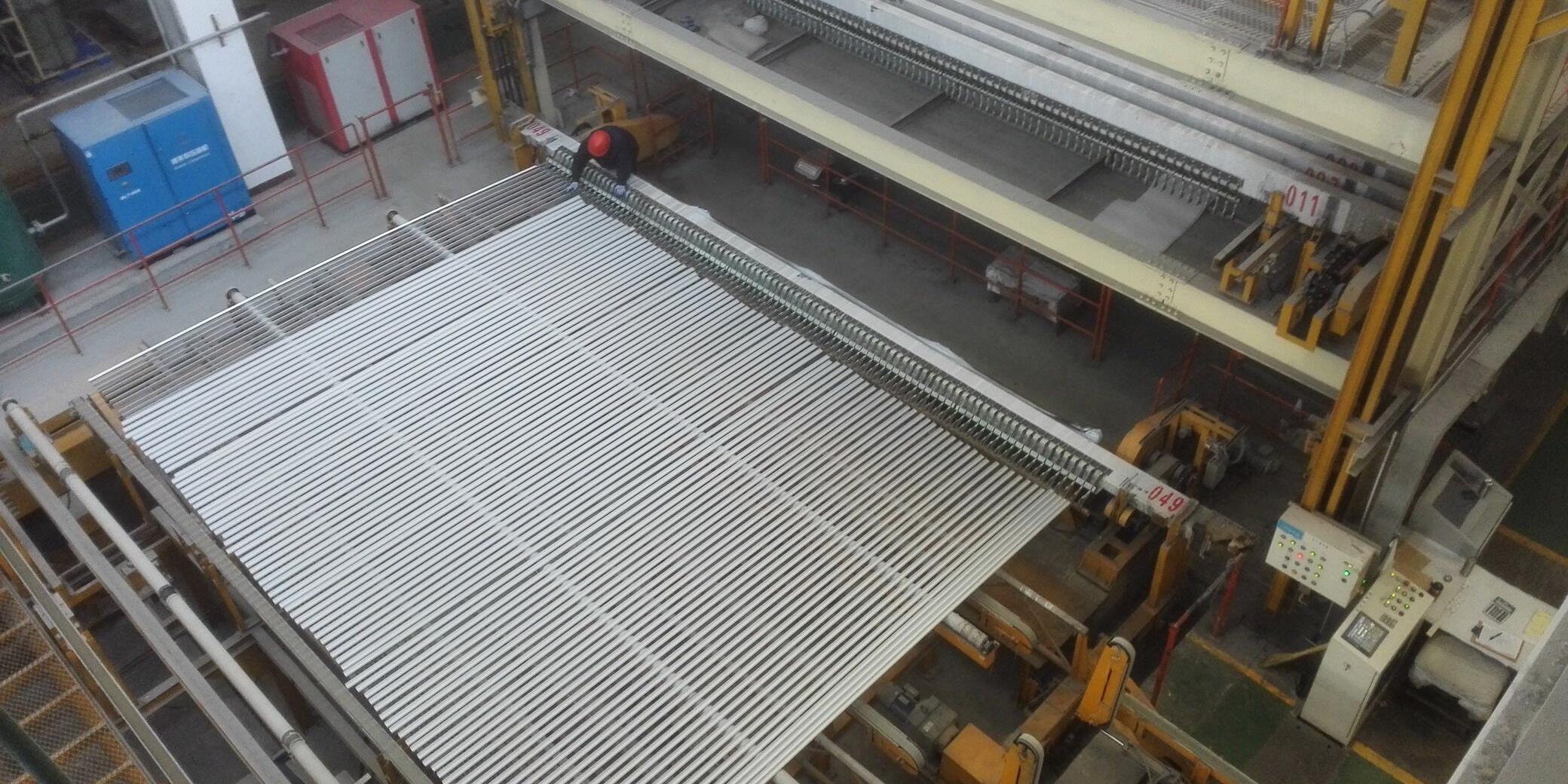 铝合金型材表面氧化的方法