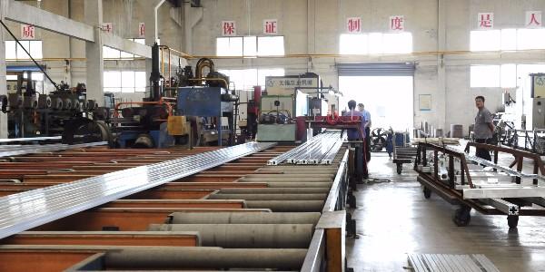 工业铝型材挤压时温度怎样控制?