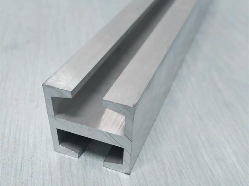 滑轨铝型材