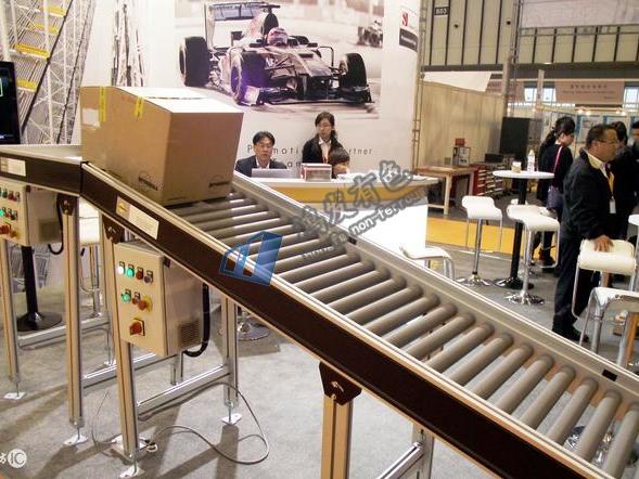 输送设备厂家生产滚筒输送线