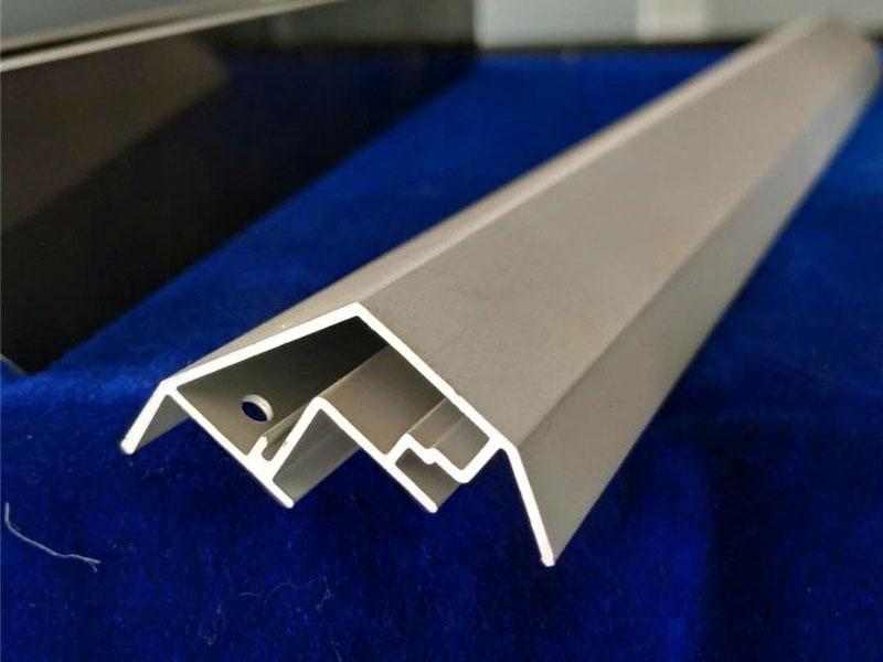 铝型材边框支撑件