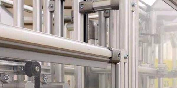 为什么工业铝型材都要喷砂氧化处理?