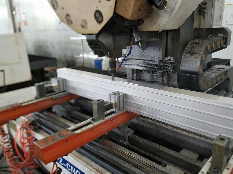 铝合金大梁CNC加工